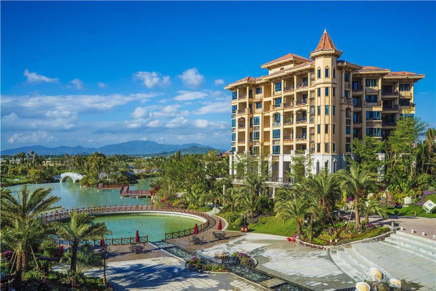 碧桂园珊瑚宫殿 依山面海,拥有独立的海岸线,景观美宅均价23000元/㎡起